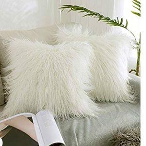 Set of 2 Decorative White Fur Throw Pillow Case